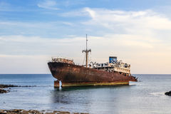 在阿雷西费,兰萨罗特岛附近的海难。 图库摄影