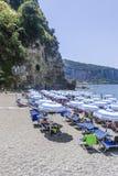 在阿马尔菲海岸意大利的海滩 免版税库存照片
