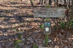 在阿巴拉契亚足迹的足迹标志 免版税库存照片