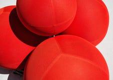 在陈列地方的装饰红色球 免版税库存照片