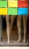 在陈列室的时装模特腿 图库摄影