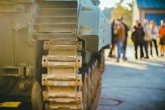 在陈列的大坦克 库存照片