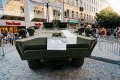 在陈列的老苏联坦克在瓦茨拉夫广场在布拉格 库存图片