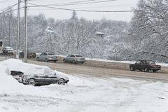 在降雪以后的冬天条件 免版税库存图片