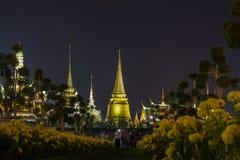 在陛下国王普密蓬・阿杜德,萨娜姆Luang礼仪地面,曼谷,没有的泰国皇家火葬仪式的陈列  库存照片