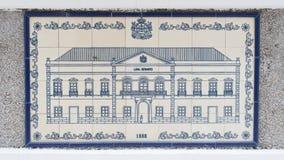 在陶瓷墙壁上的艺术图画在澳门行政区划(IACM) -民政总署大楼里面1888 A d 免版税库存照片