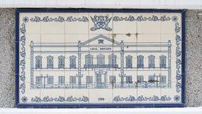 在陶瓷墙壁上的艺术图画在澳门行政区划(IACM) -民政总署大楼里面1999 A d 库存照片