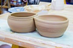 在陶瓷工的瓦器工艺陶瓷黏土 免版税库存图片