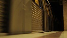 在隧道外面的地铁 影视素材