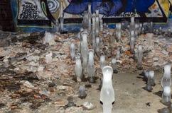 在隧道的冻水石笋 图库摄影
