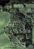在难看的东西样式,织地不很细背景的老被佩带的老砖墙 免版税库存照片