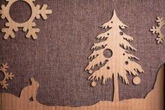 在难看的东西背景的圣诞节装饰 免版税库存照片
