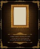 在雄鸭样式背景,葡萄酒照片框架古董,设计样式的泰国皇家金框架 库存照片