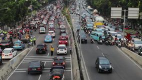 在雅加达卡萨布兰卡路的高峰时间交通 影视素材