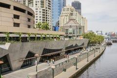 在雅拉河,墨尔本,澳大利亚的Southbank 免版税库存照片