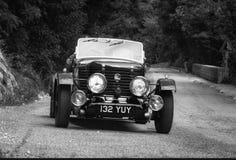 在集会Mille Miglia 2015的HEALEY邓肯寄生虫1947老赛车2015年5月15日的著名意大利历史种族1927-1957 免版税库存照片