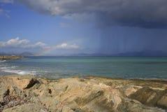 在雨以后来彩虹 免版税图库摄影