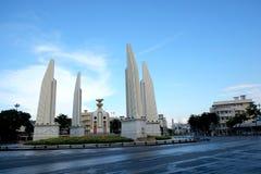 在雨以后的民主纪念碑 免版税图库摄影