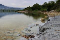 在雨以后的湖 库存图片