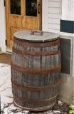 在雨存储之外的桶国家(地区) 免版税库存照片