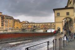 在雨期间的Ponte-Vecchio 免版税库存照片