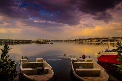 在雨以后在小游艇船坞 图库摄影