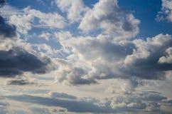 在雨以后的云彩 免版税库存照片