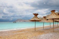 在雨以后的海滩 免版税库存照片