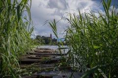 在雨以后的湖 免版税图库摄影
