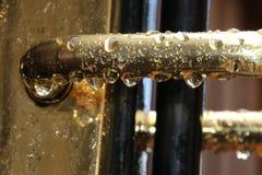 在雨以后的门把手 免版税库存图片