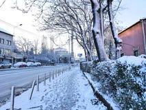 在雪下的Prishtina 免版税图库摄影