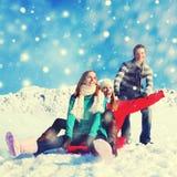 在雪幸福乐趣快乐的概念的假日 免版税库存图片