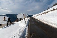 在雪的一条道路 免版税图库摄影