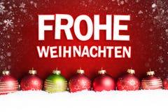 在雪的圣诞节球与消息`圣诞快乐`用德语 皇族释放例证