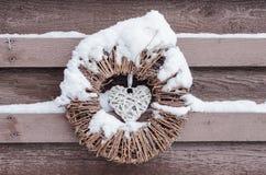 在雪的圣诞节装饰品 免版税库存照片