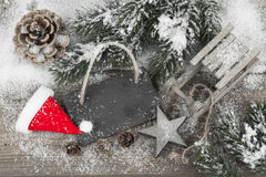 在雪的圣诞节装饰 库存照片