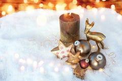 在雪的圣诞节静物画 免版税图库摄影
