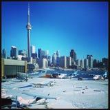 在雪的多伦多地平线 图库摄影