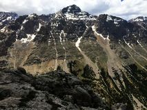在雪的山脉 图库摄影
