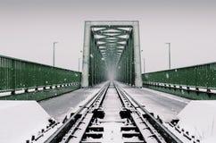 在雪的工业桥梁 图库摄影