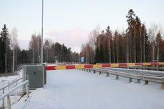 在雪的路在一个冬日 免版税库存照片