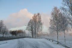 在雪的路在一个冬日 库存图片