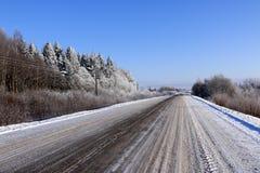 在雪的路在一个冬日 图库摄影
