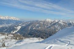 在雪的轨道在奥地利 库存图片