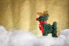 在雪的Xmas鹿 JPG 免版税库存图片