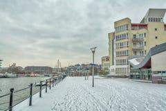 在雪盖的布里斯托尔港口- 3月18日 免版税库存照片