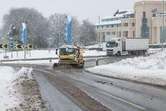在雪风暴期间的英国机动车路M1 免版税库存图片