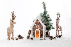 在雪风暴内的驯鹿 免版税图库摄影