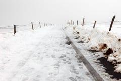 在冬天调遣路 库存图片