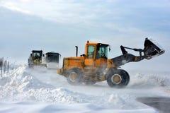 在雪风暴的路 免版税库存照片